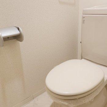 シンプルですが綺麗なトイレ。
