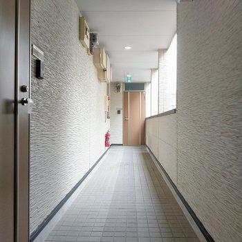 共用廊下広々キレイでした!