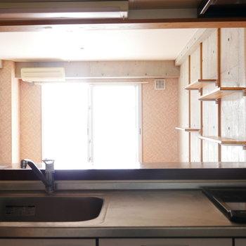 キッチンからの眺め ※写真は似た間取りのお部屋のものです
