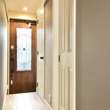 サニタリールームのドアもかわいいなあ