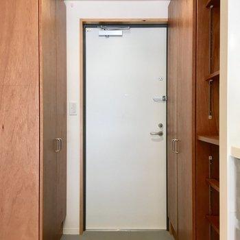 玄関のスペースも十分。※写真は同間取り別部屋のものです