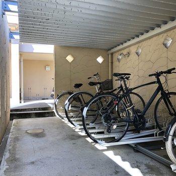 駐輪場が2カ所あります。