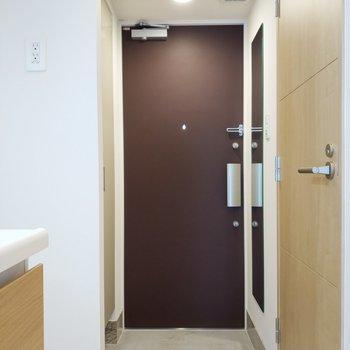 玄関床にもこだわりがありますね。※写真は5階の同間取り別部屋のものです