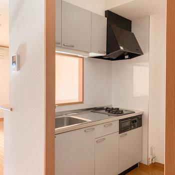 【LDK】さて、気になるキッチンへ。