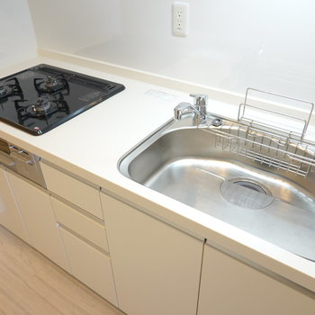 シンクが広くて皿洗いも便利になりそう。