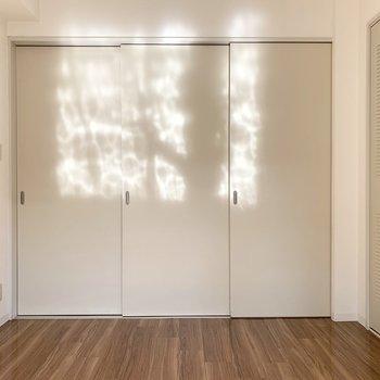 閉めて2部屋としても。お部屋の使い方が広がります。