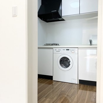 …やっぱり!憧れのビルトイン洗濯機のキッチンです。