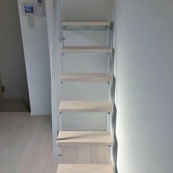 安定感のあるロフト階段。