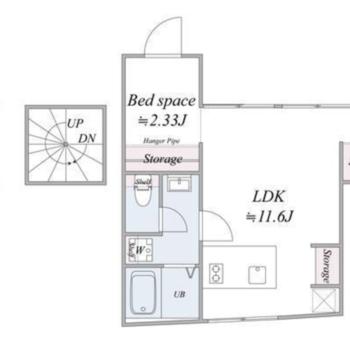 3階のお部屋、玄関は螺旋階段で1階にあります。