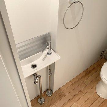 手洗い場もあります。