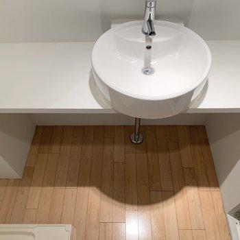 洗面台も使いやすい広さに。