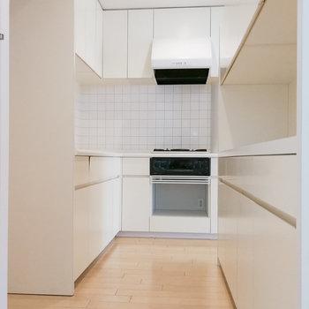 キッチンは独立スペースに。