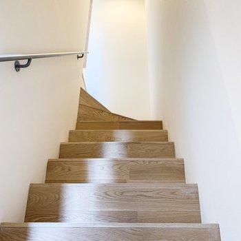 まずは2階へ。