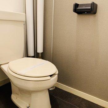 トイレはシンプル ウォッシュレットはありません