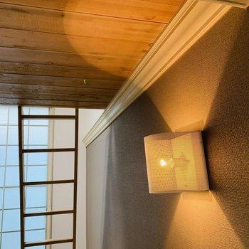 ロフト下のこの照明の光が柔らかくgood!