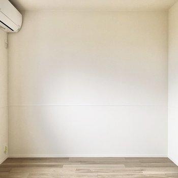 【洋室②】ベッドは右の壁沿いに置こうかな。