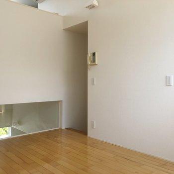 【2階】反対側からみたダイニングです。※写真は1階の同間取り別部屋のものです