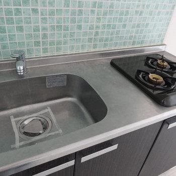 調理スペースは狭めだな…シンクトレーを活用しましょう!