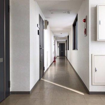 共用廊下は室内です。