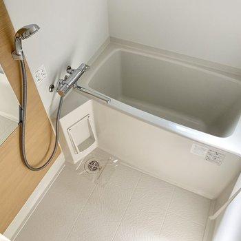 サーモ水栓で温度調節らくらく♬窓付き・乾燥機付き◎