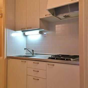 実用的なキッチンスペース