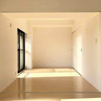 仕切り扉はオープンで広々と使いたい。