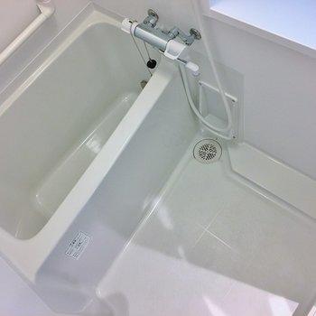 お風呂も新設。