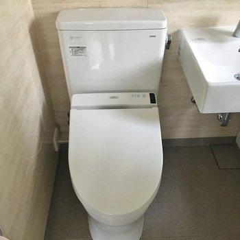おトイレはこんな感じ