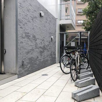 駐輪スペースがあります。