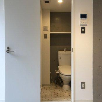 トイレが見えますね。