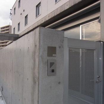 これが玄関。※写真は前回募集時のものです。