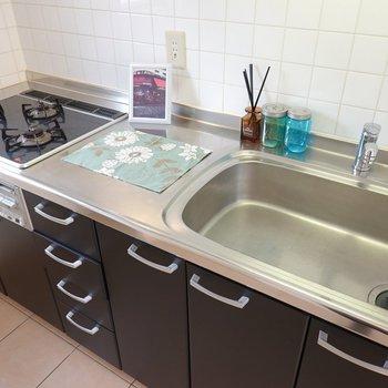 シンクが広くてお皿洗いがしやすそう。