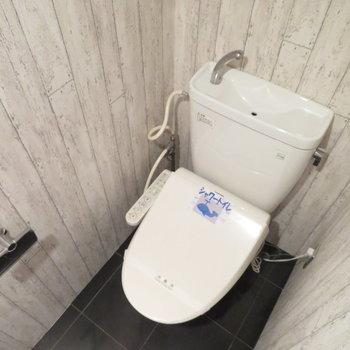 トイレは個室に