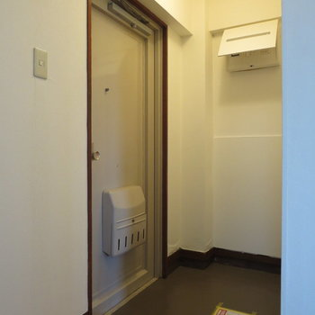 玄関はゆとりがあります※写真は3階同間取り別部屋のものです