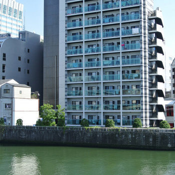 土佐堀川沿いのお部屋が一室空きました!