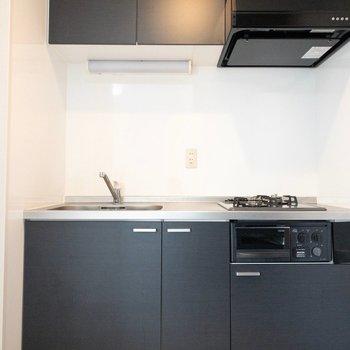 黒のキッチンかっこいいですね♪