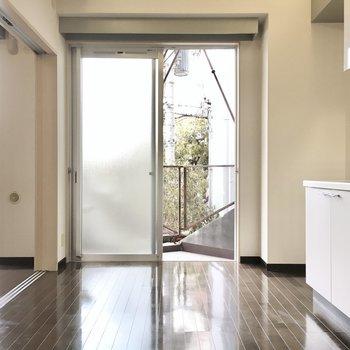でも内装は案外シンプル。※写真は2階同間取り・別部屋のものです。