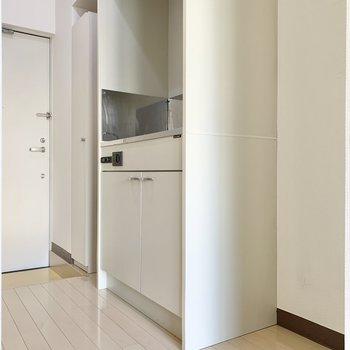 冷蔵庫を横に置いても余裕がありそうですよ。