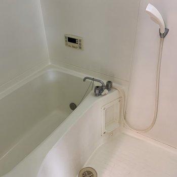 【工事前】お風呂もまだまだきれいなので・・・
