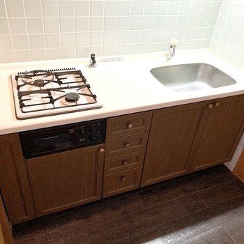 2口コンロです。調理スペースもしっかりと◎