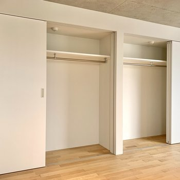 【上階】大容量の収納は2人で分けてもいいですね