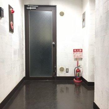 内廊下ですね。雨の日も濡れません