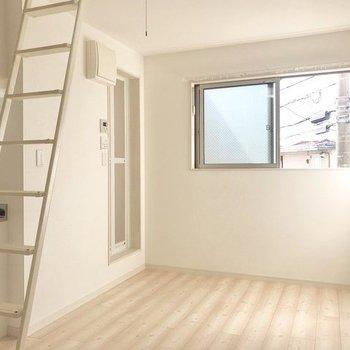 はしごとロフトがあるお部屋