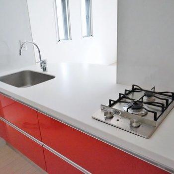 デザイン性だけじゃなく使い勝手も○※キッチンの色はお部屋によって違います