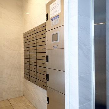 メールボックスと宅配ボックス。