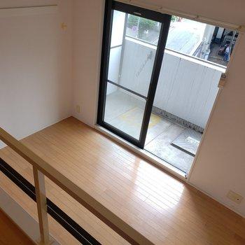 上から覗いてみよう♪(※写真は3階の同間取り別部屋、清掃前のものです)