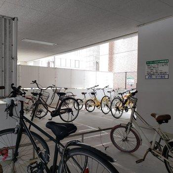 駐輪場も広い!