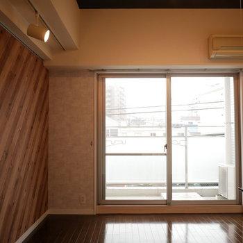 スポットライトと内装がかっこいい(※写真は3階の同間取り別部屋のものです)