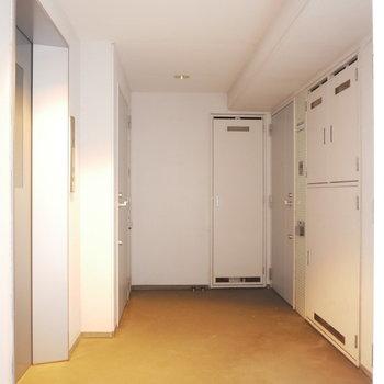 共用廊下も綺麗ですね!