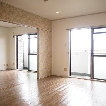 南向きで日当たり良好です!※写真は4階同間取り・別部屋のものです。